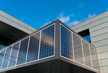 Going solar using personalized solar tools