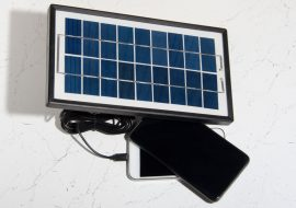 Solar trickle charger