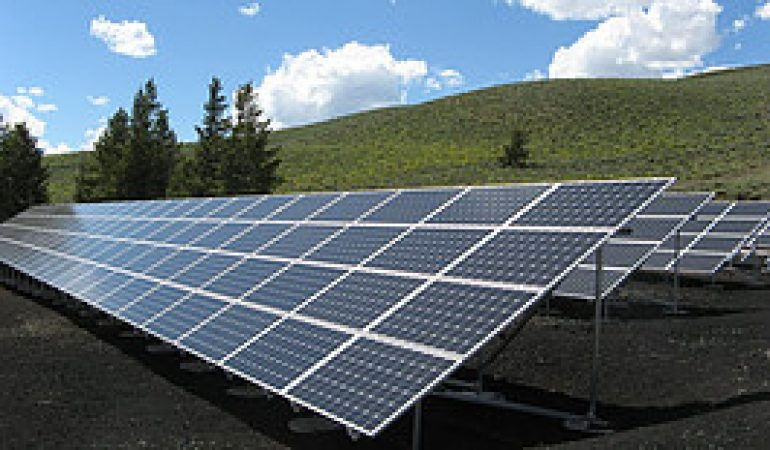 Can we use solar energy without batteries?